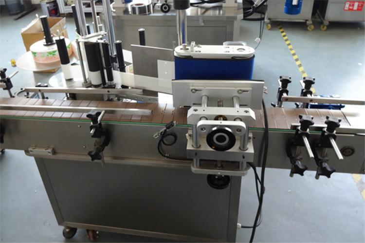 Automatikus öntapadó bot függőleges címkéző gép kisállat-palackokhoz