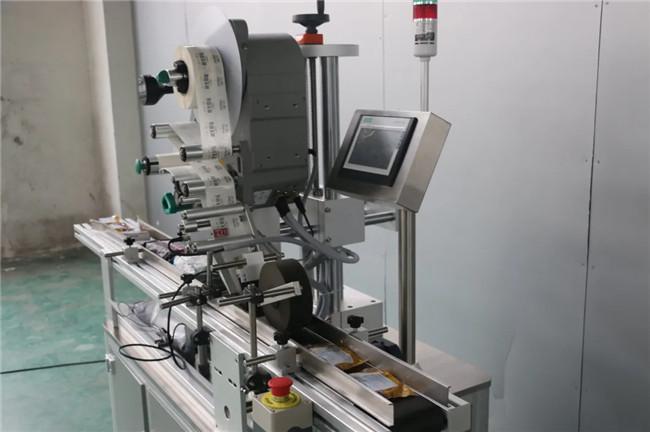 Automatikus matrica Doypack doboz kartondoboz felső felületi címkéző gép