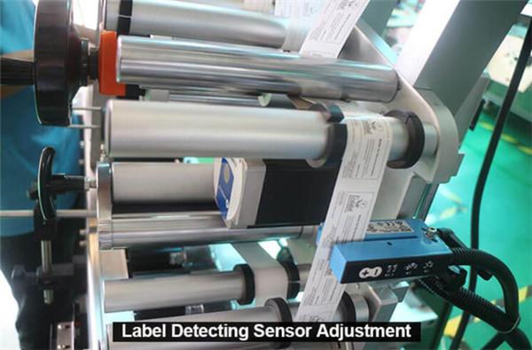 Nagy sebességű vízszintes tekercses kerek palackok Üvegfecskendők Fecskendők Címkéző berendezés részletek