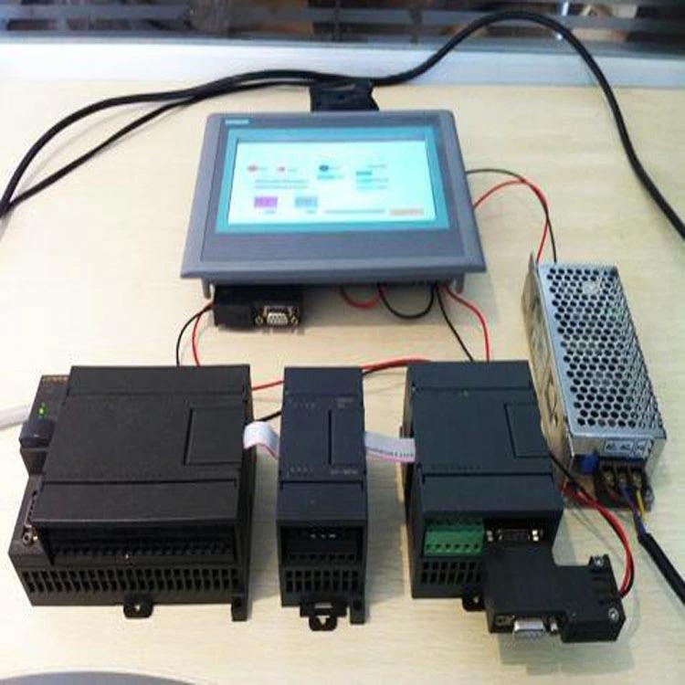 PLC és érintőképernyő